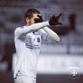 🔝 Premier but de la saison pour Hamza Sakhi 🔵⚪️  L'AJA mène 1-0 à la mi-temps face à Amiens 💪🏽