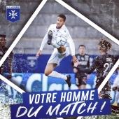 👟 2 passes décisives  🔝 90% de passes réussies ⚔️ 14 duels au sol disputés   ➡️ Axel Ngando a été élu joueur du match sur notre page Facebook, avec 35% des voix 🔵⚪️  ▫️▫️▫️ #hommedumatch #auxerroisdumatch #manofthematch #mvp #manoftheday #football #player #AJAASC #aja #auxerre #AJAuxerre #TeamAJA #Amiens #AmiensSC #ligue2bkt #ligue2 #ngando #axelngando