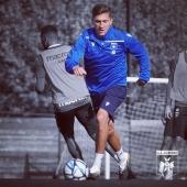 📸 Mathias Autret et la #TeamAJA à l'entraînement avant la réception de Chambly 🔵⚪️